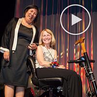 Alumna Nancy Grosz Sager accepts Top Dog Award